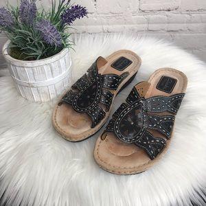 Clark's Artisan Leather Black Sandals